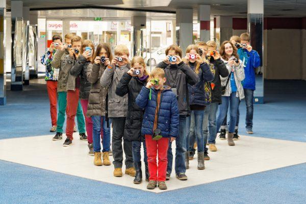 Gruppenfotos von der Kleinen Fotoschule. Bei schlechtem Wetter stehen uns verschiedene Indoor-Locations zur Verfügung