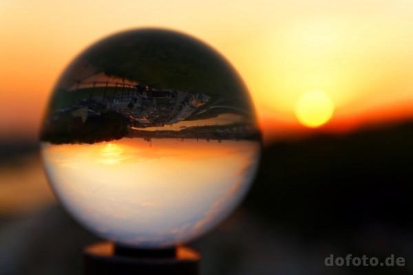 Kugelbilder sind faszinierend. Hier ein Bild vom Dortmunder Phönix-See im Sonnenuntergang